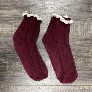 ✨FREE IN BUNDLE: Burgundy Lace-Trimmed Ankle Socks